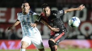 Atlético le ganó a Colón, que dejó su invicto en Tucumán