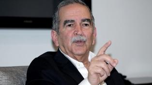 Un general retirado renuncia como negociador de paz con el ELN