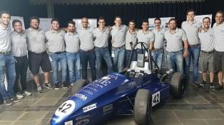 Estudiantes argentinos diseñaron un auto y lograron el podio en la Fórmula SAE
