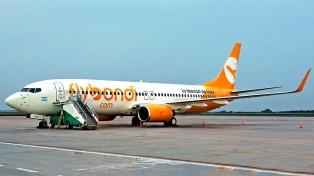 Flybondi presentó su primer avión en el aeropuerto internacional de la provincia