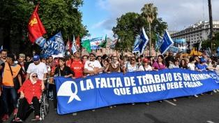 El kirchnerismo y organizaciones de DDHH protestaron en la Plaza de Mayo