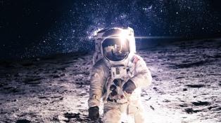 """Trump ordena a la NASA que envíe """"astronautas de nuevo a la Luna"""""""