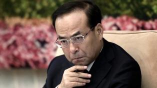 Un ex favorito para liderar el país va al banquillo por corrupción