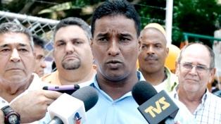 Un ex alcalde que estuvo preso y fue candidato el domingo huyó del país