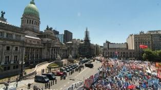 Organizaciones sociales anunciaron que se movilizarán el lunes al Parlamento