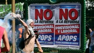 Bonadio procesó a 33 imputados por las protestas frente al Congeso