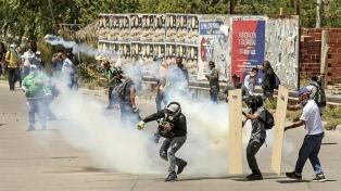 Tercer día consecutivo de incidentes entre la policía y estatales