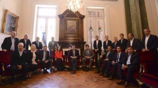 Trece gobernadores manifestaron su apoyo a la reforma previsional en una reunión con Peña y Frigerio