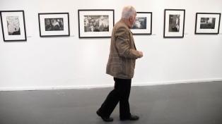 Arte y testimonio en la obra del fotógrafo chileno que inspiró a Julio Cortázar