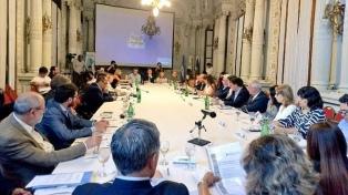Presentan iniciativas para desarrollar el mercado cooperativo en la provincia