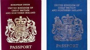Los pasaportes volverán a ser de color azul después del Brexit