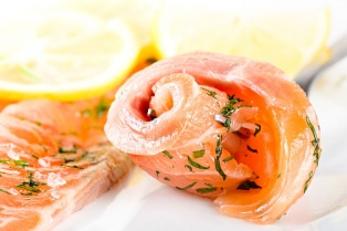 Un trío ganador para estas Fiestas: salmón, nogada de cordero y suspiro limeño