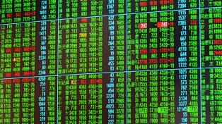 Expertos alertan que la guerra comercial con EE.UU. se extenderá a las finanzas