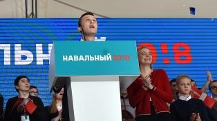 Inhabilitan al líder opositor Navalny para presentarse a las elecciones de 2018