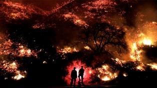 Controlan casi por completo el mayor incendio de la historia de California