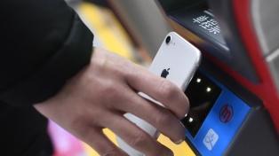 Usuarios del subte pagarán desde hoy con sus celulares en Hangzhou