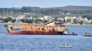 Hundieron un pesquero en Puerto Madryn para crear un arrecife artificial