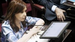 Dirigentes, militantes y ex funcionarios saludaron a Cristina Kirchner en su cumpleaños