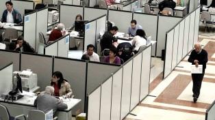 El desempleo subió a 6,9% en el trimestre febrero-abril