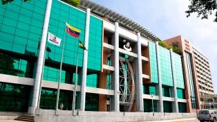 """El banco privado intervenido afirmó que la decisión de Maduro es """"política"""""""