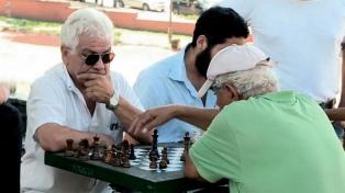 """Afirman que el cerebro da """"indicios"""", 20 años antes de manifestarse el Alzheimer"""