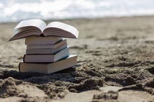 Escritores y editores recomiendan lecturas para el verano 2018