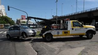 Comenzó a licitarse el sistema de grúas para la ampliación del estacionamiento medido