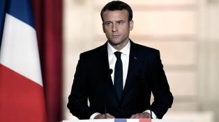 Macron mantiene la firmeza contra la inmigración ilegal pese a las críticas