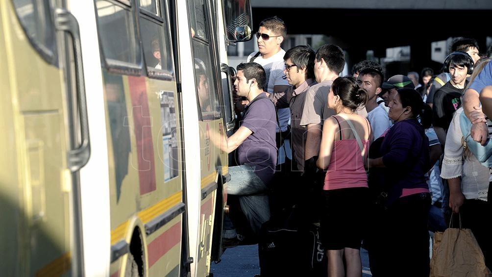 El Gobierno transfirió a las provincias fondos para el transporte público