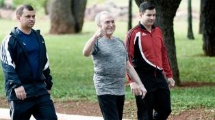 Temer intentó disipar los rumores sobre su salud con una caminata pública