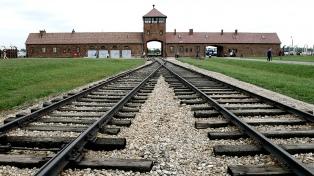 El Parlamento sancionó una polémica ley sobre el holocausto