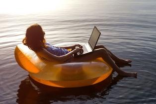 Cómo seguir trabajando por cuenta propia y aprovechar las vacaciones