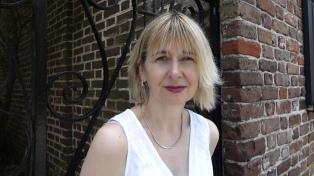 """Lori Saint-Martin: """"Mis textos hablan de pasiones ardientes con una mirada clínica"""""""