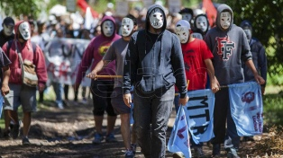 Nueva protesta ante la casa de Etchecolatz en el Bosque Peralta Ramos