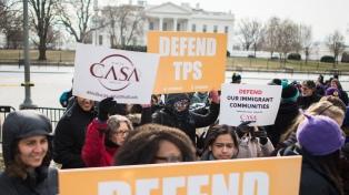 Centenares marchan en Washington contra las políticas migratorias de Trump