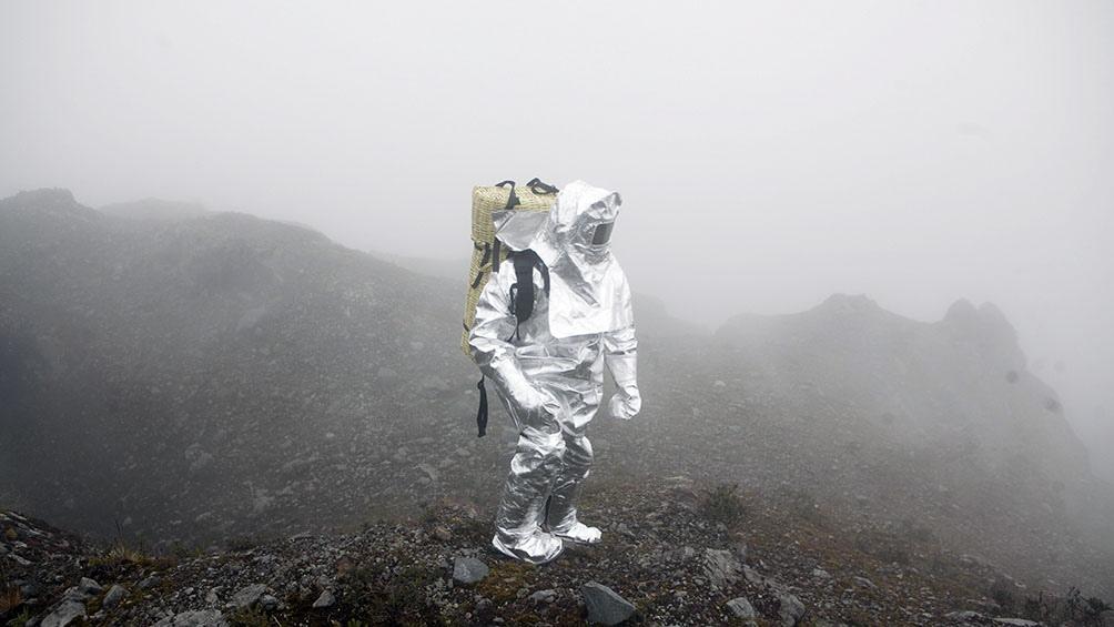 """""""Poema Volcánico"""" (2014),instalación de Eduardo Navarro"""
