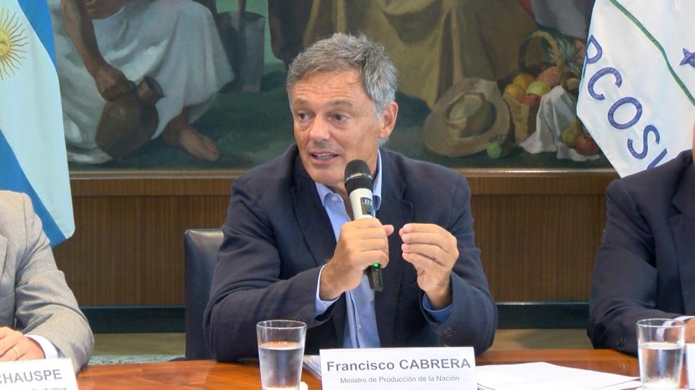 El ministro Cabrera pidió a los empresarios