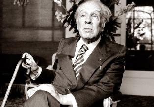 Subastan obras de Borges por miles de dólares