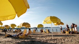 Más de 6.000 personas colmaron el Buenos Aires Playa en su primera jornada