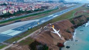 Conmoción en las redes por el accidente del avión en el que no hubo heridos