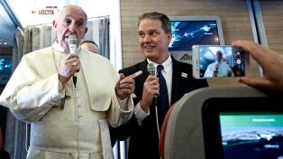 """El Papa reafirmó su """"cercanía"""" con el pueblo argentino y Macri le ratificó el """"cariño"""" del país"""