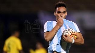 Lautaro Martínez mira de reojo y sueña con la Copa del Mundo