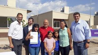 Entregan 182 casas construidas por el Plan Nacional de Vivienda