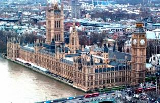 El Parlamento rechazó que las condiciones del Brexit queden en sus manos