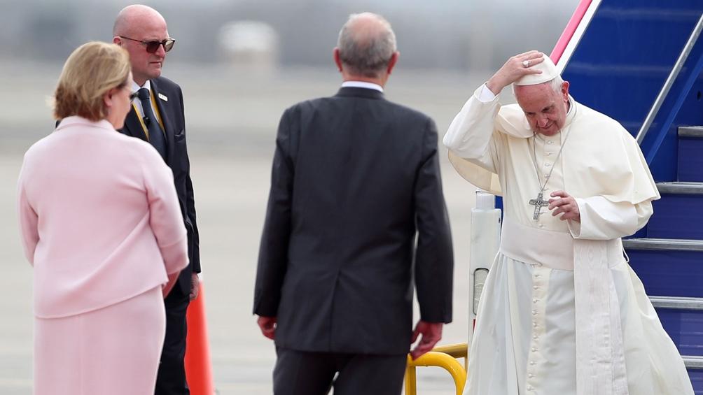 Papa Francisco fustiga consumismo y lo llama cultura sin madre