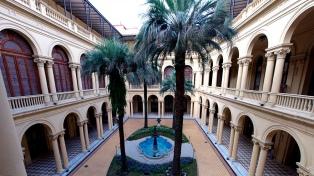 Estudian el suelo de la Casa Rosada tras la muerte de una de sus palmeras