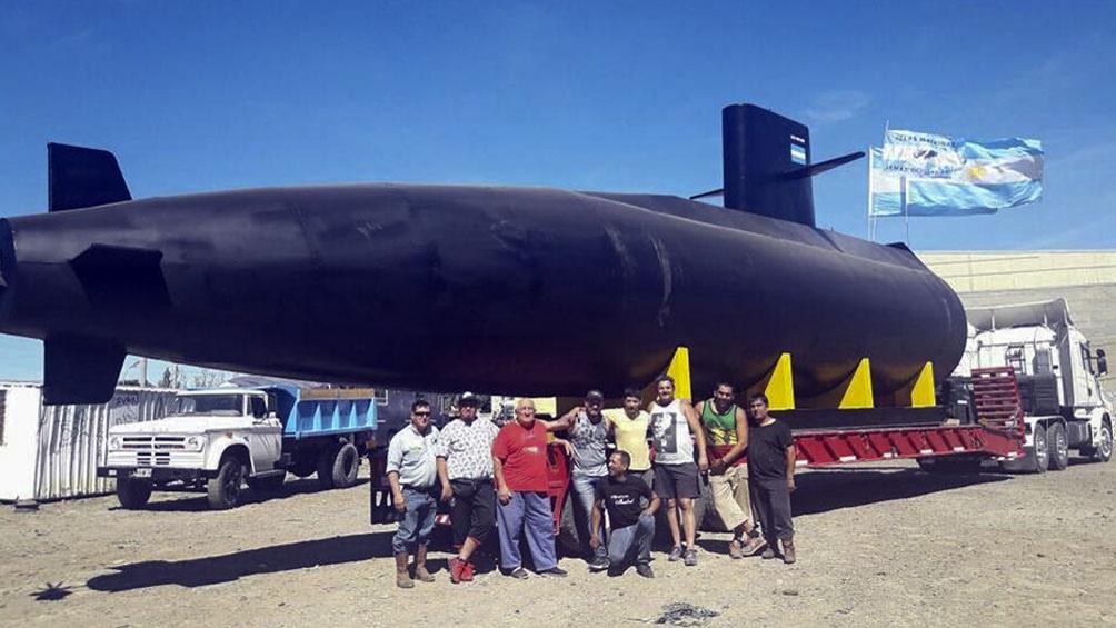 La Agrupación Isabel compartió en Facebook las fotos del homenaje a los 44 tripulantes