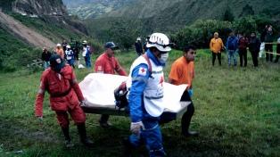 Al menos trece personas murieron por un alud de tierra