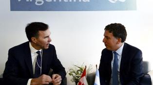 Dujovne se reunió con representantes de la banca privada