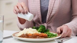 Comienzan a controlar el uso de sal en bares, restaurantes y casas de pastas